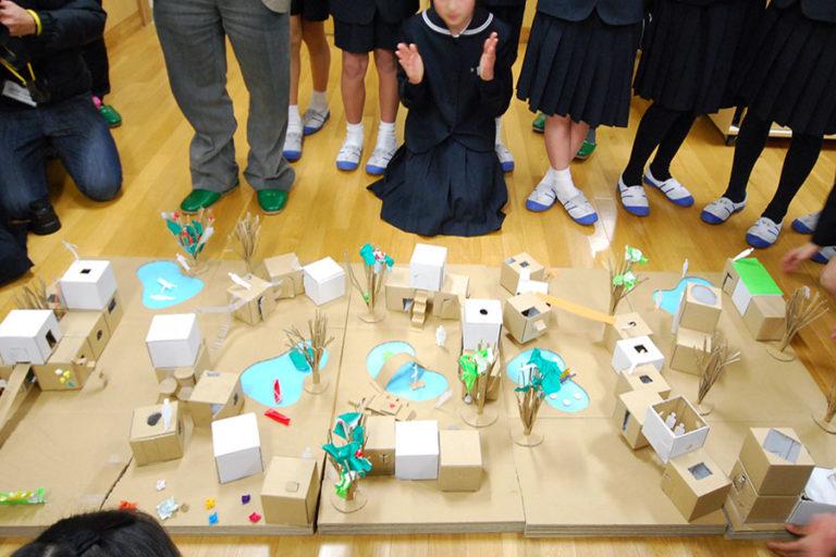 関西学院初等部での建築授業発表風景,神戸,設計事務所